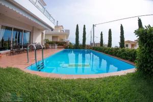 Villa 300 m² Saronida