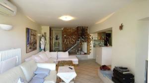 Maisonette 210 m², Loutra Oraias Elenis, Saronikos