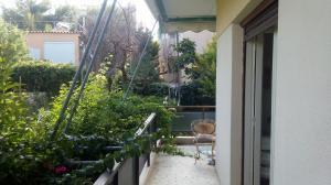 Γωνιακο διαμερισμα 1ου οροφου 52 τμ ,2 υ/δ στο Νηρεα Ραφην