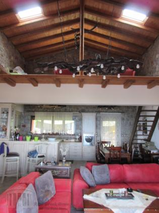 170 m² Country house on 5000 m² land on Peloponnese / Corinthia