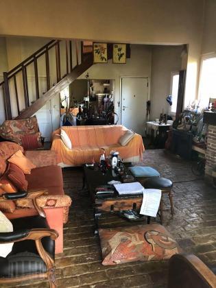 Διωροφη μονοκατοικια 140 τμ με ξενωνα,κηπο 560 τμ και αποθηκη στο Ν.Βουντζα.