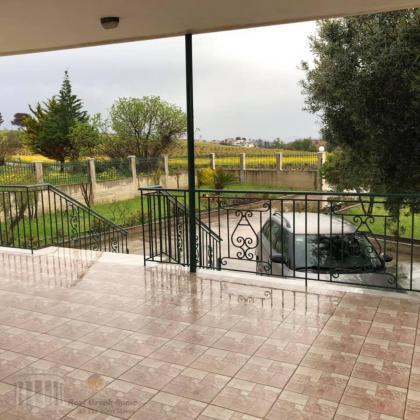 Ανακαινισμενη μονοκατοικια 80τμ,2υδ συν ξενωνας 30τμ, κηπος 750 τμ στην Ραφηνα