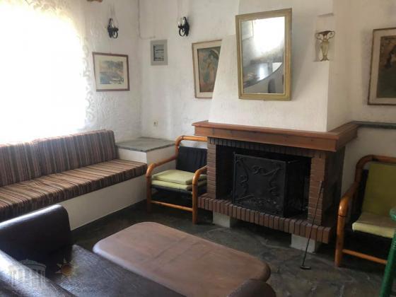 Ισογειο επιπλωμενο και εξοπλισμενο ευρυχωρο Studio πλησιον Παραλιας Ραφηνας