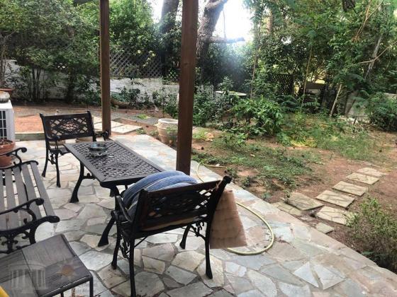 Ανακαινισμενο ισογειο διαμερισμα με κηπο 100τμ,2υδ,2 μπανια,διπλα στην Παραλια Ραφηνας