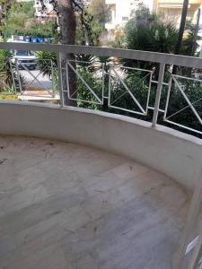 Ανακαινισμενο γωνιοδιαμπερες διαμ/σμα α'οροφου,75τμ,2υδ