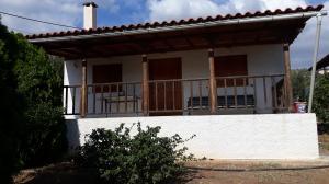 Detached House in Loutra Oreas Elenis-Korinthia,80.000 euros