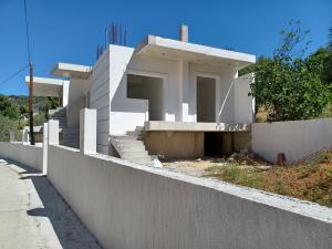 Detached House 80 s.m in Katakali-Korinthia 150.000 euros